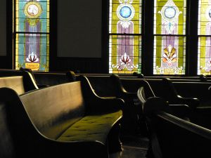 827529_pews_and_stained_glass